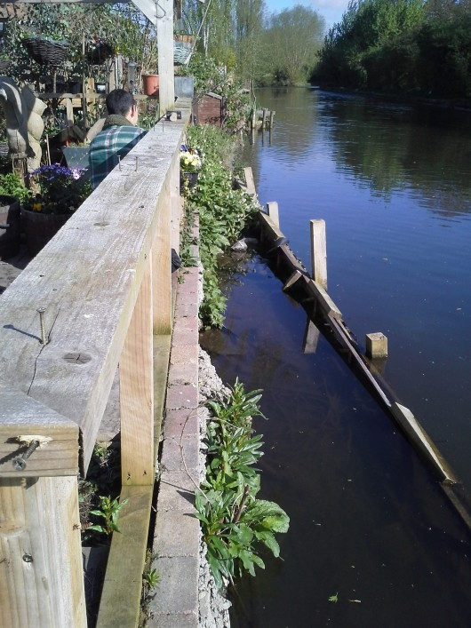 Deconstructing bank protection on the grand union canal